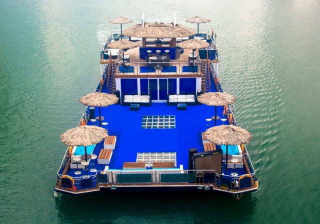 Gugu Boat dinner cruise Dubai