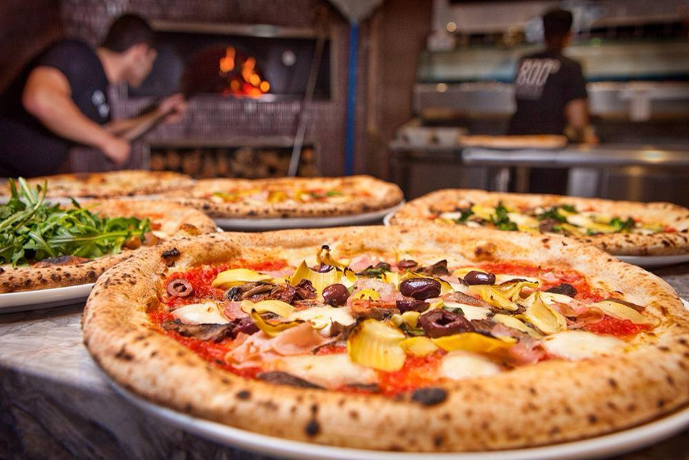 800 Degrees Neapolitan pizza restaurant in Dubai