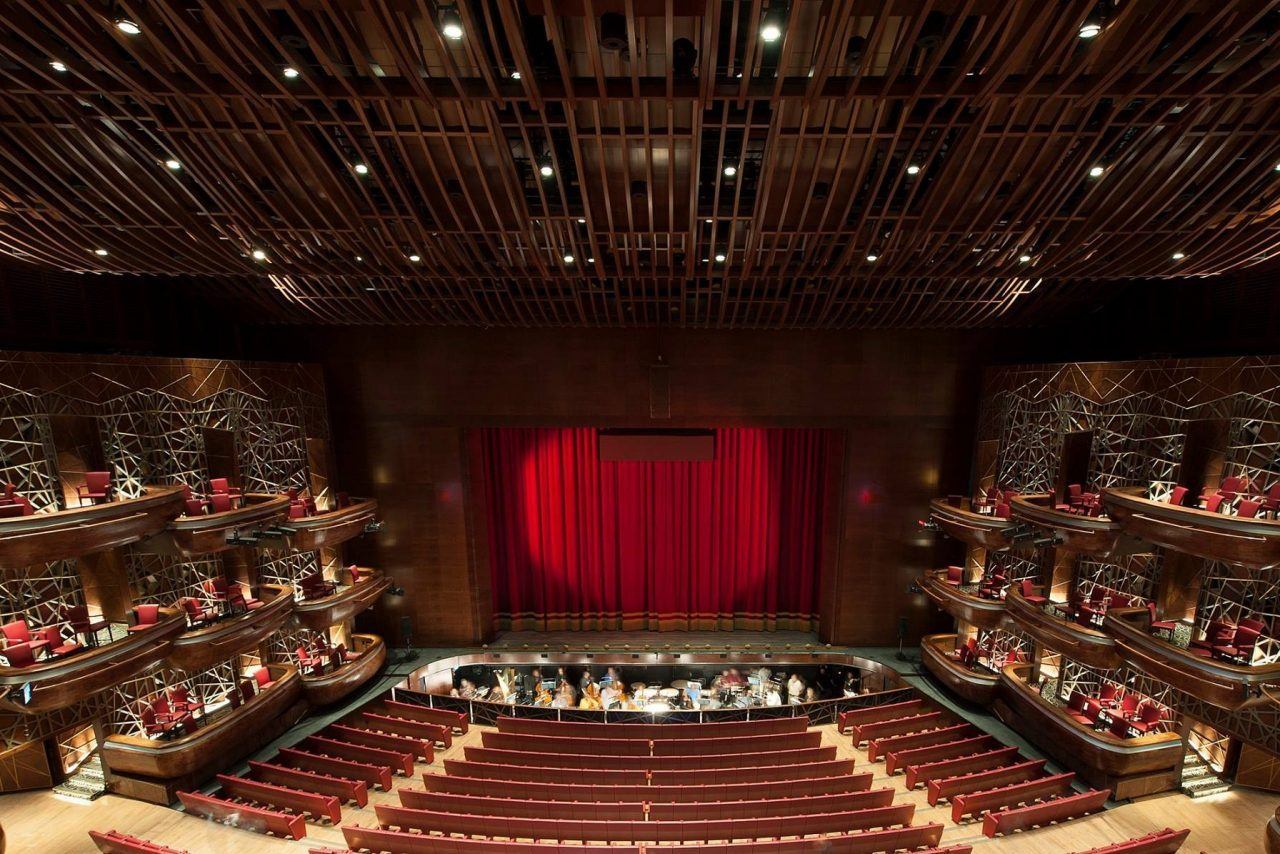 Theatre shows at Dubai Opera