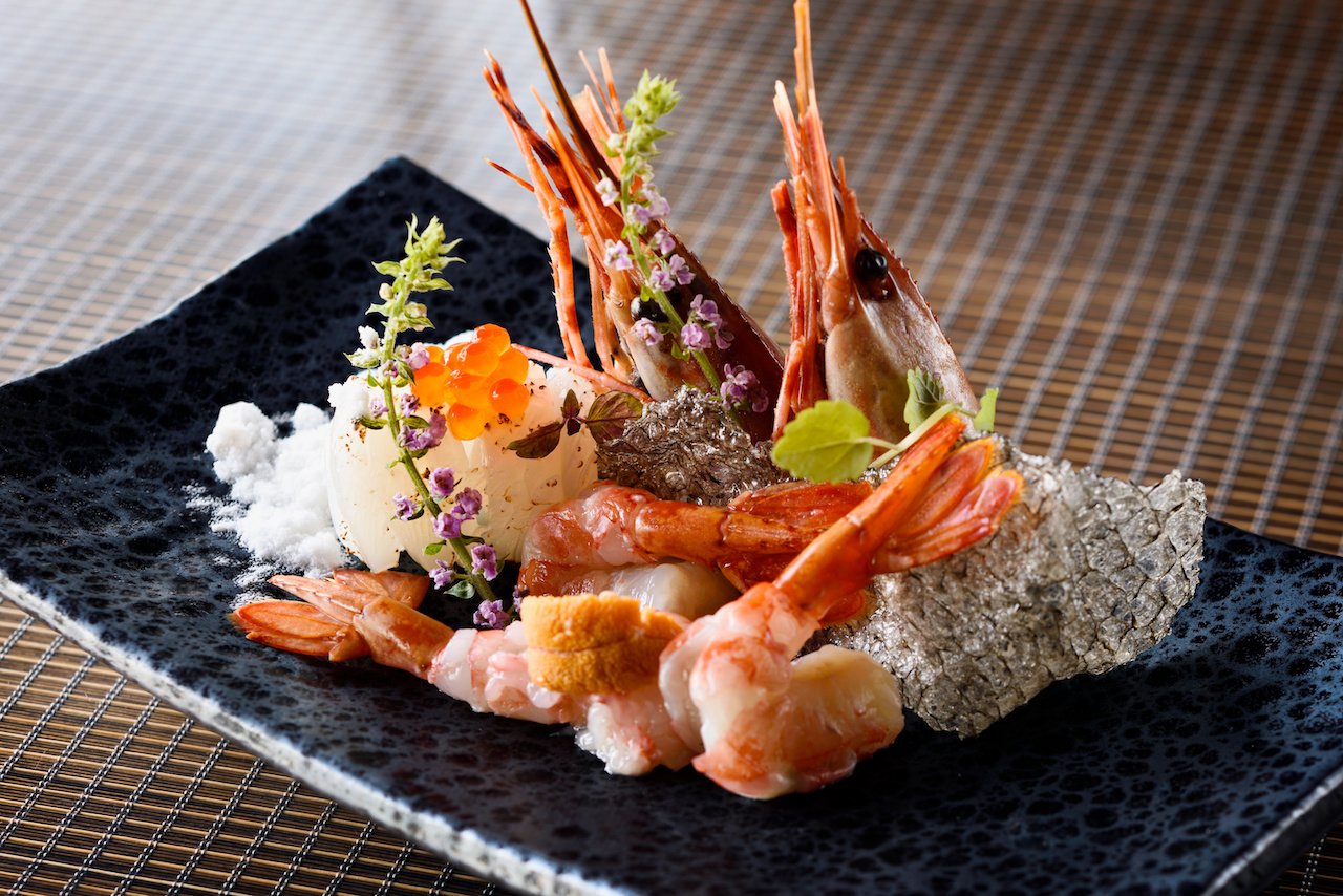 Botan shrimp with salmon roe and salmon skin - Armani/Hashi
