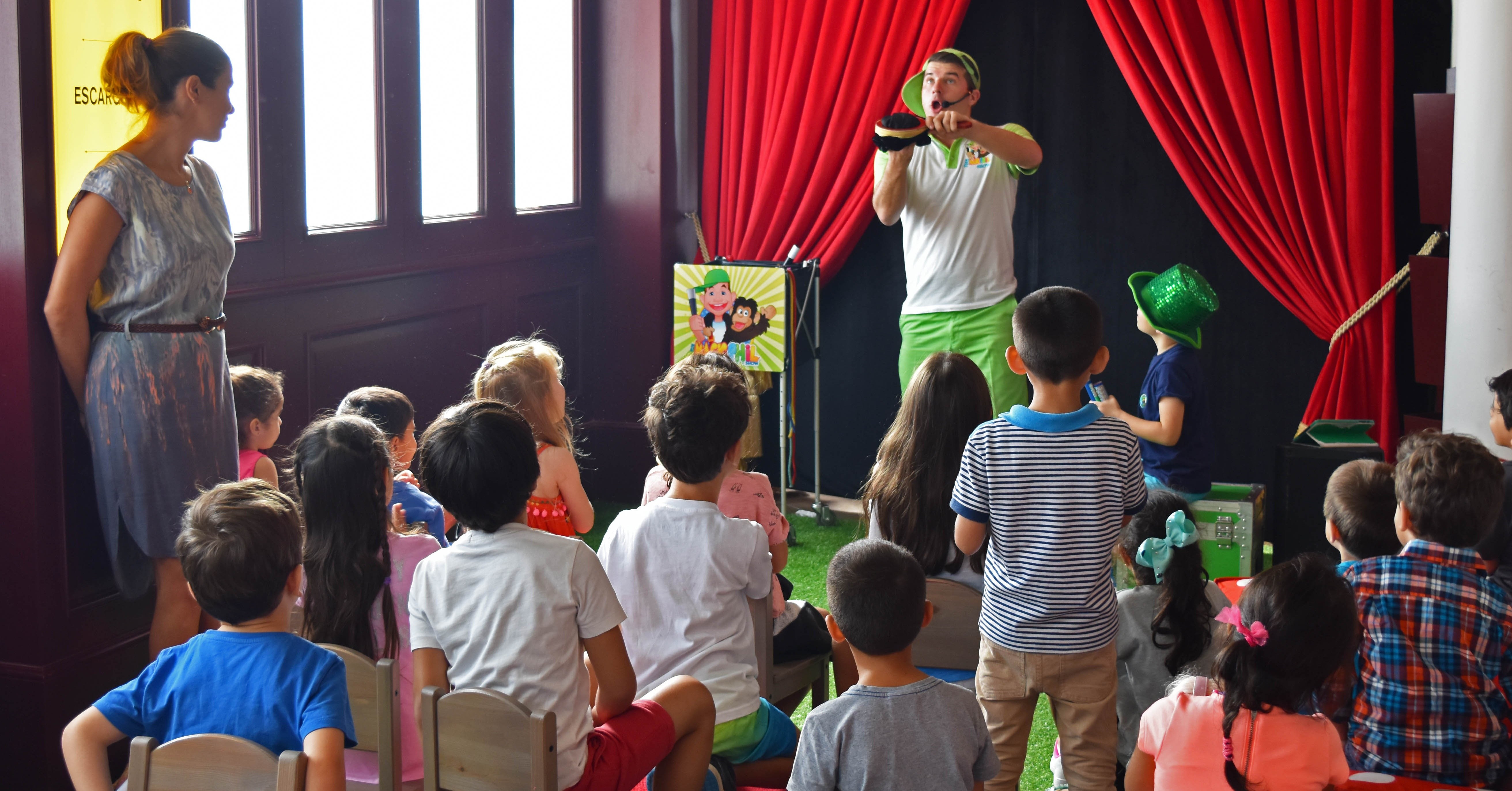 Couqley Dubai kids area with Magic Phil