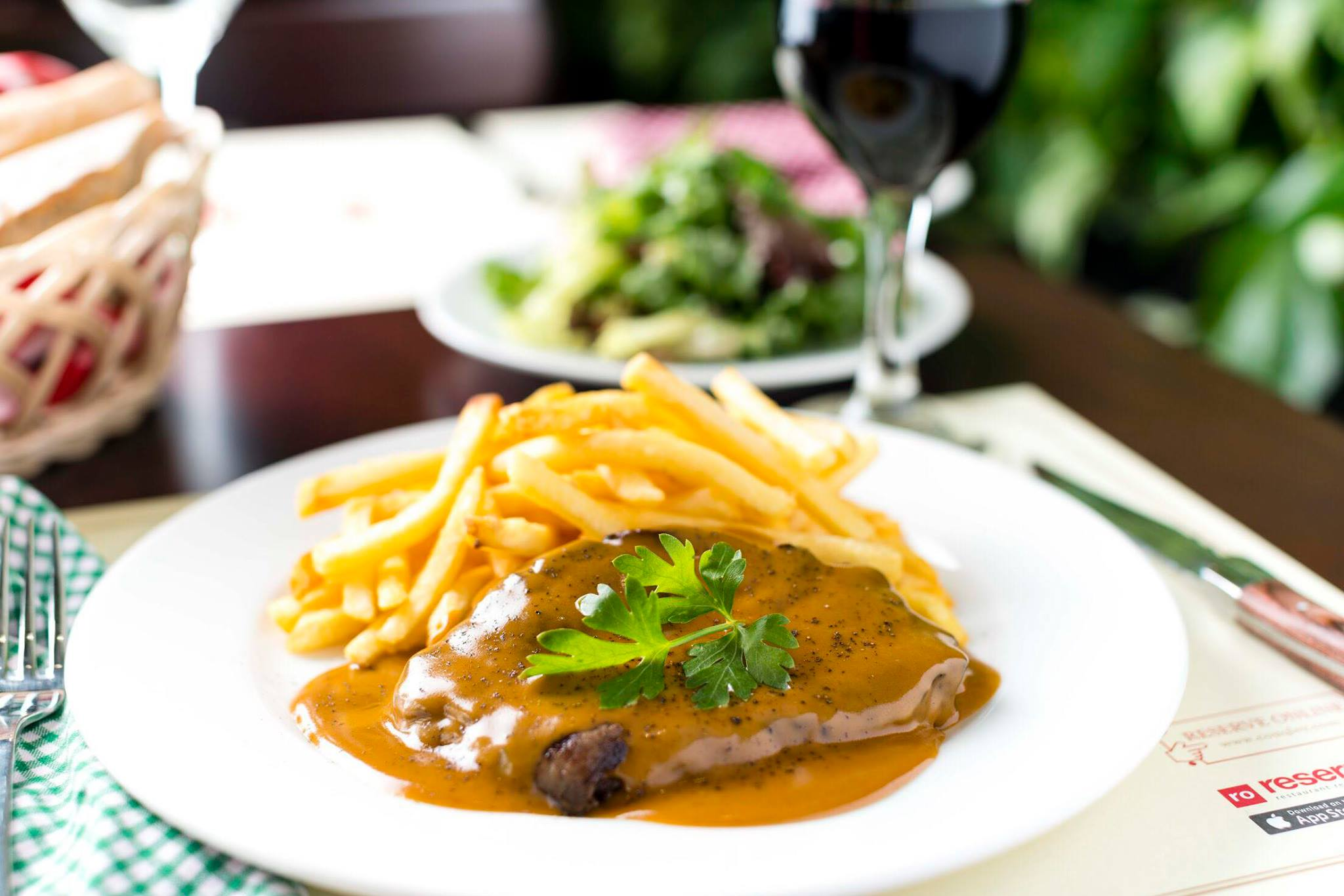 Steak Frites at Couqley Dubai