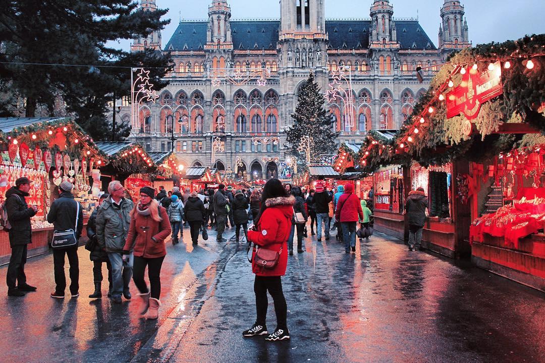 best christmas market city hall vienna - Vienna Christmas Market