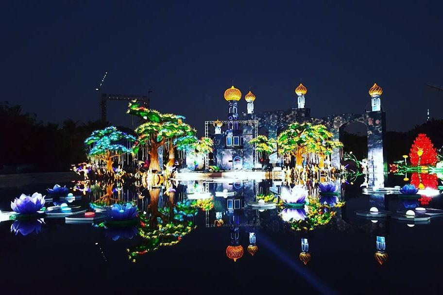 dubai-garden-glow