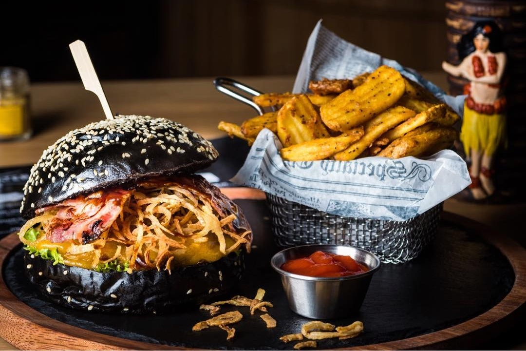 Black Burger at Bridgewater Tavern