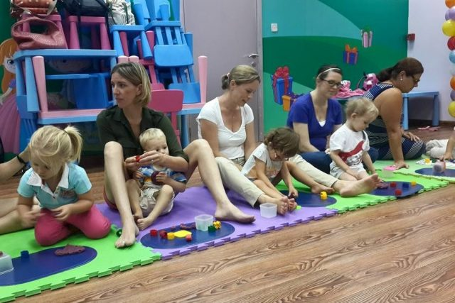 Mother and baby classes in Dubai: Moms and Tots