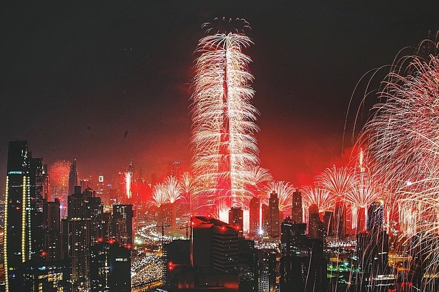 burj-khalifa-fireworks-in-dubai-