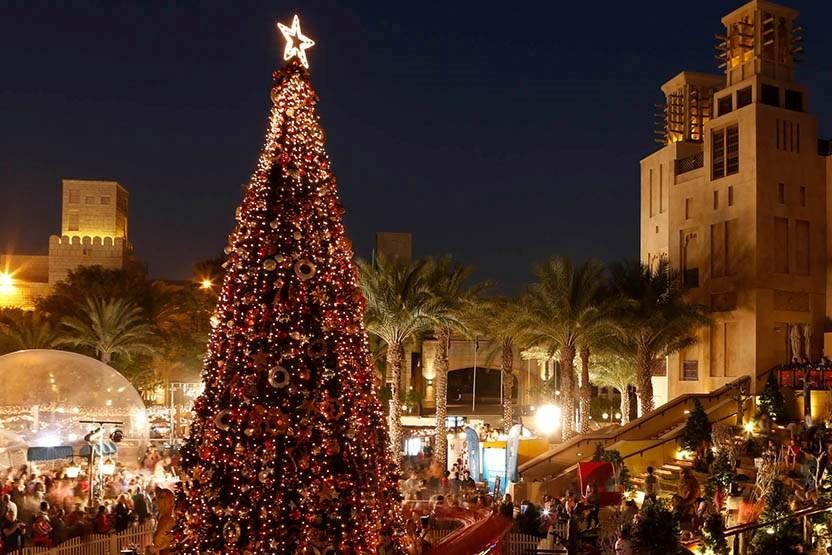 christmas-in-dubai-christmas-tree-dubai- Cropped (1)wqq Cropped