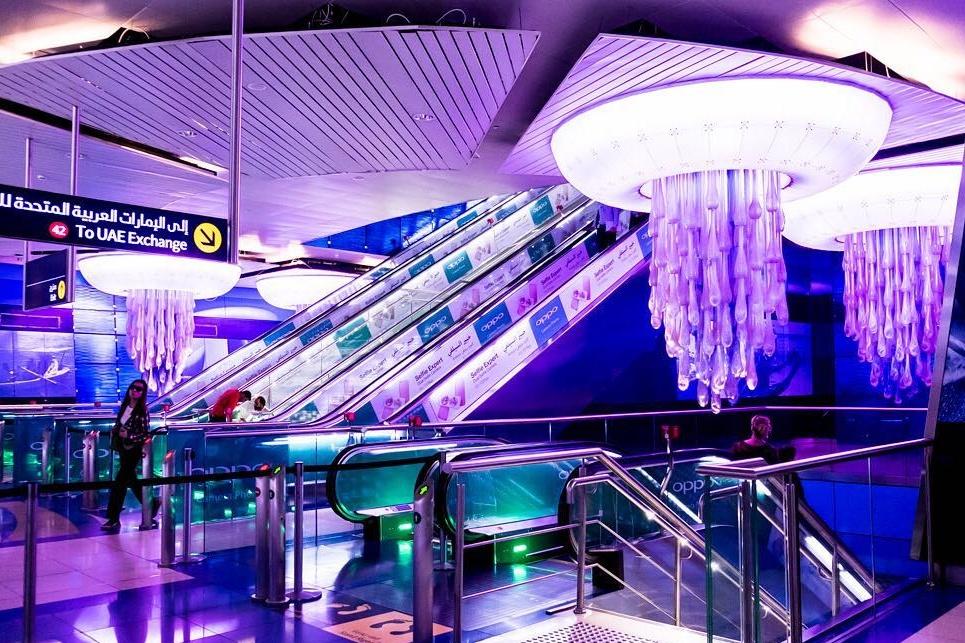 dubai-metro-stairs Cropped (1)