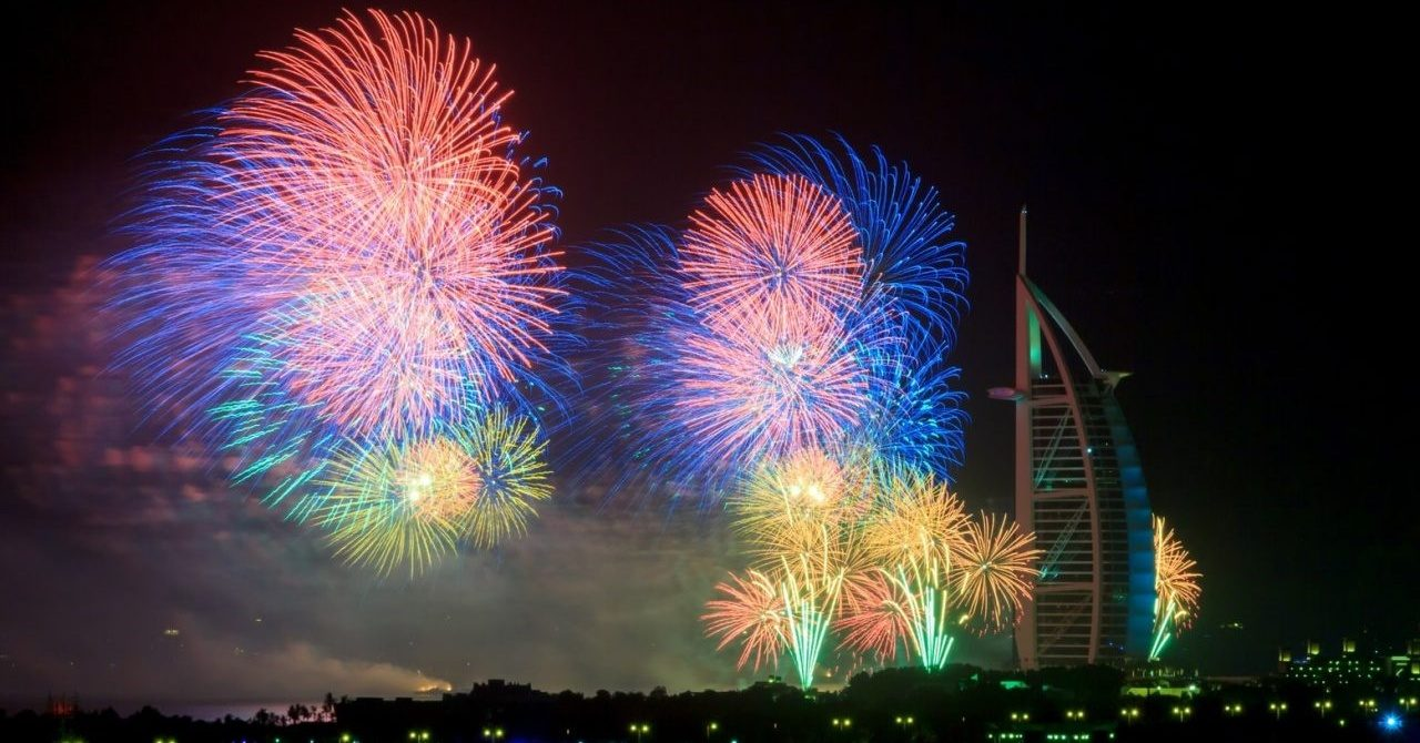 new-year-dubai-fireworks-1-1280x854 Cropped