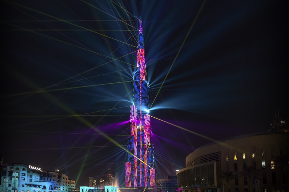 burj-khalifa-light-up-2018 Cropped (1)