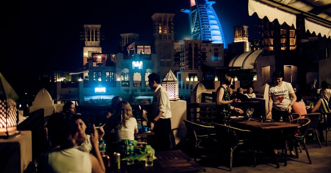 pubs-in-dubai-happy-hour-