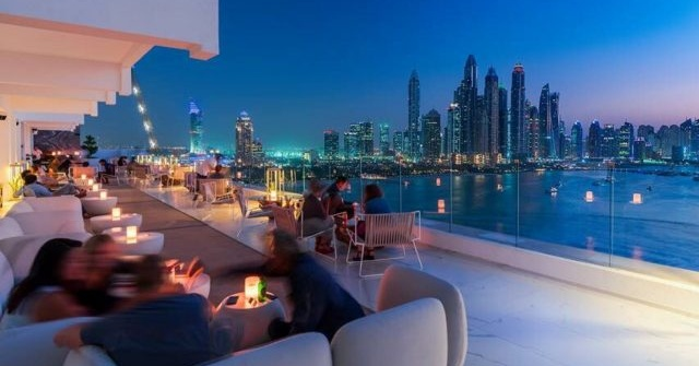 rooftop-bar-the-penthouse-dubai-640x479 Cropped