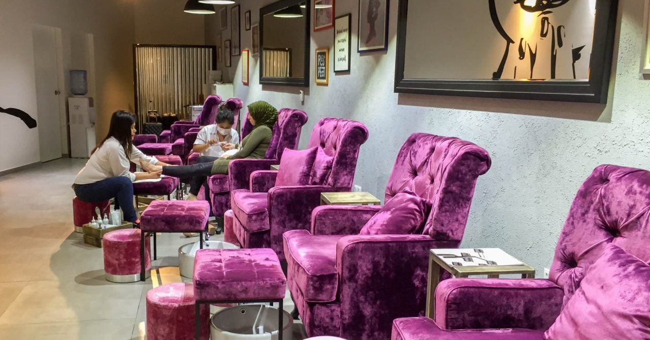 Nail Salons in Dubai for Nail Extensions - WE Nails