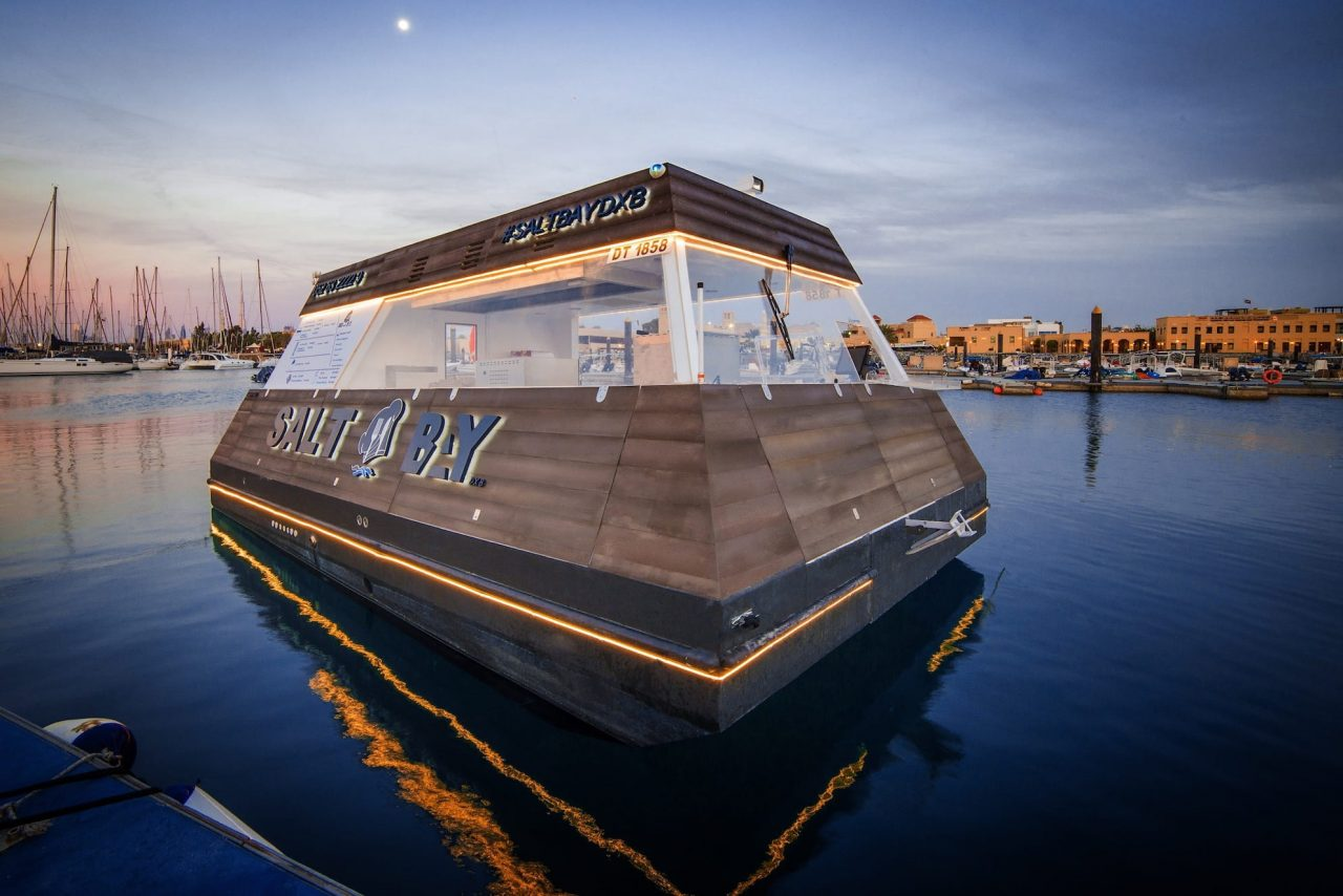 Aqua-Pod-floating-food-truck-dubai-6