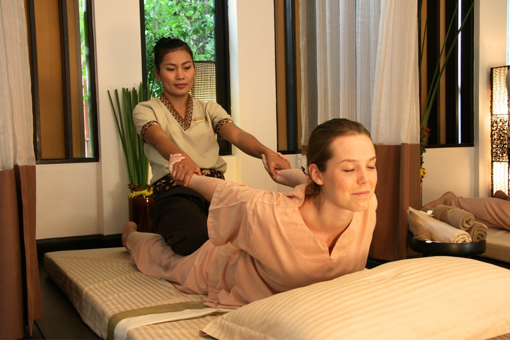 Classical_Thai_Massage Cropped (1)
