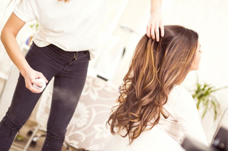 hair salons in Dubai that offer blow dry packages