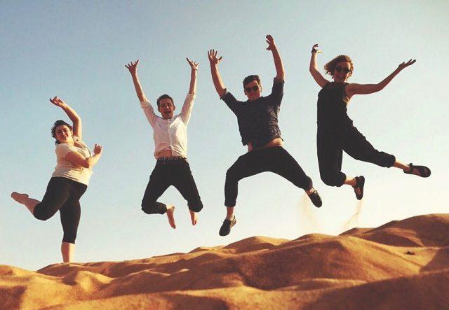 dubai desert safari jumping selfie (2)