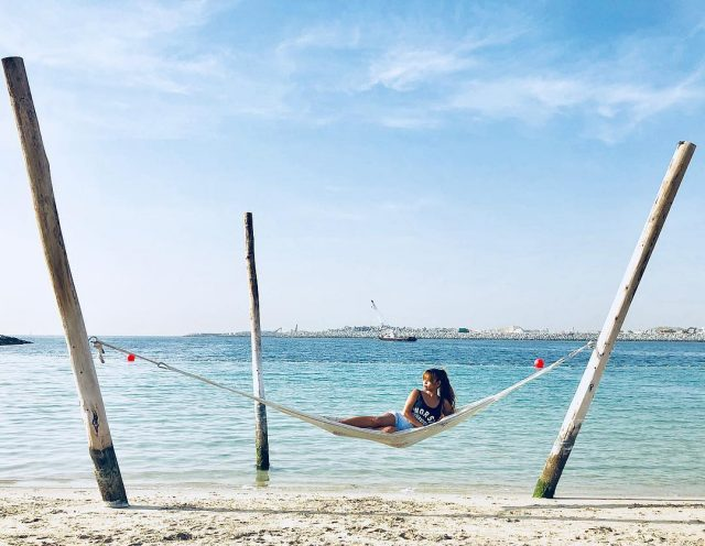 free-beaches-in-dubai-la-mer-dubai