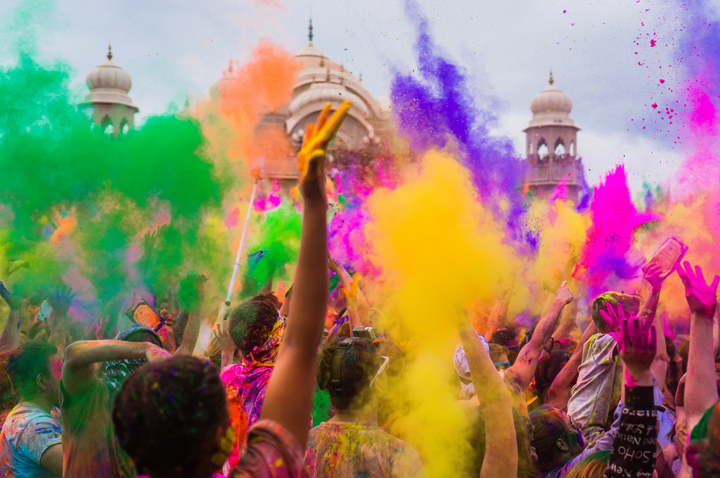 holi in dubai 2018