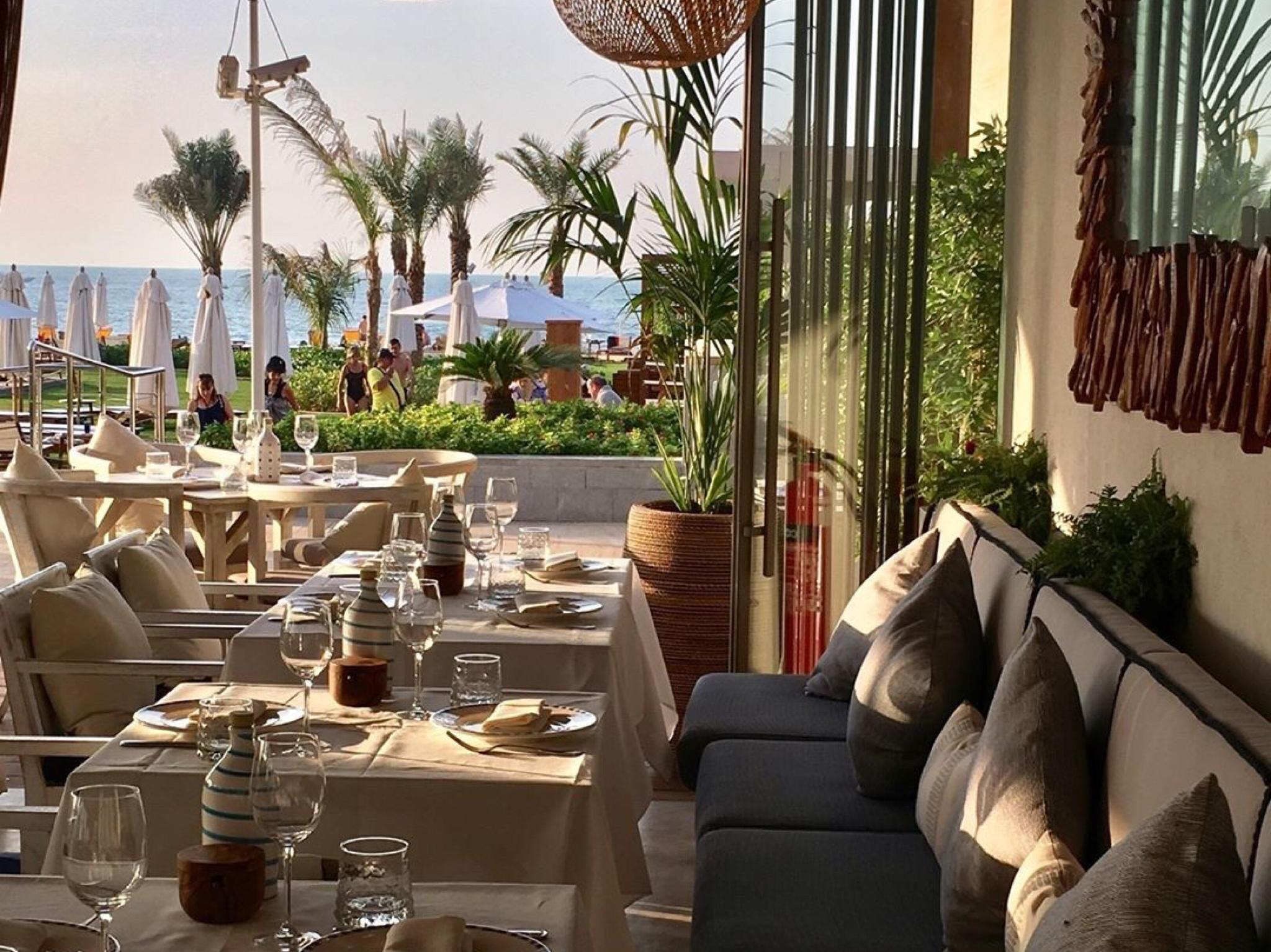 Riviera Beach Grill restaurant in Dubai
