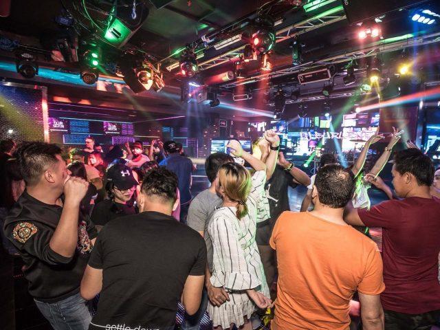 hookup bars in dubai hook up diaries mishal raheja