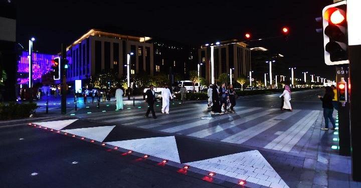 dubai-smart-pedestrian-signals-in-dubai-fr Cropped