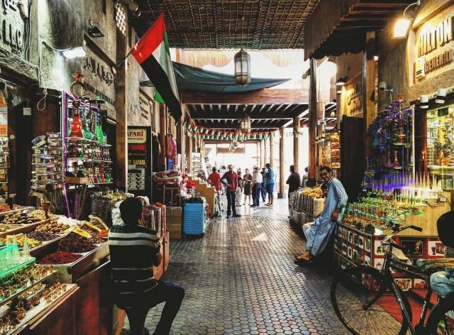 free things to do in old dubai on a budget - spice souk gold souk old souk