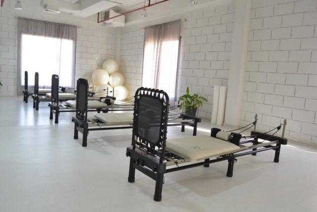 pilates classes in dubai - aero reformer pilates dubai roshiross studio