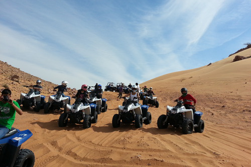 quad-biking-in-dubai-desert-c