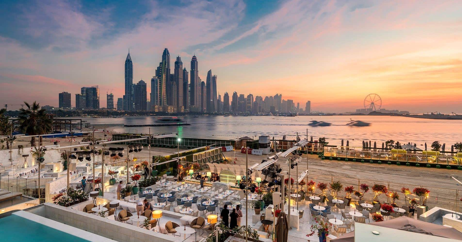 rooftop-bars-in-dubai-nightlife-rooftop- Cropped-min