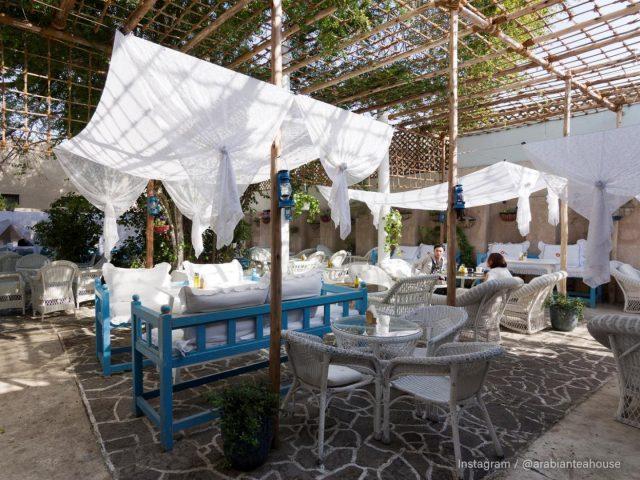 things to do in al bastakiya al fahidi district dubai - arabian tea house cafe