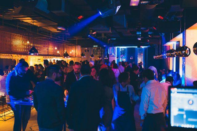 dubai-happy-hour-dubai-nightlife-bars-in-dubai-2-eddddfddfesw