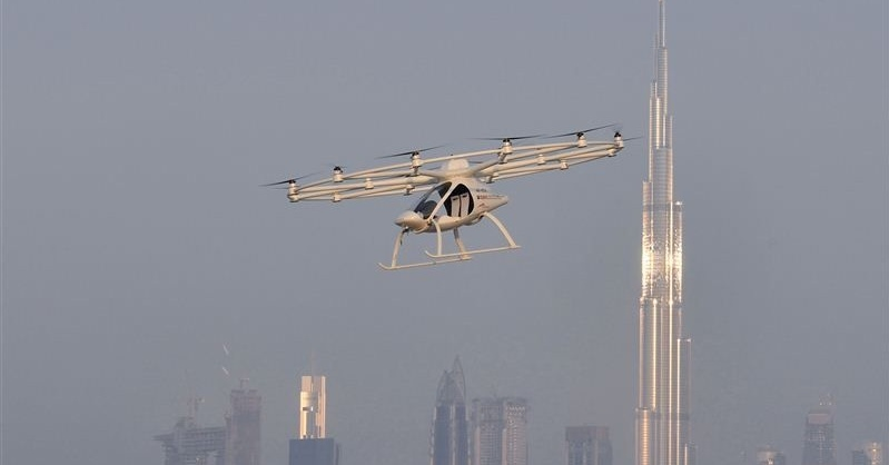 flying-taxis-dubai-flying-taxi-flying-car--.jpg Cropped (1)