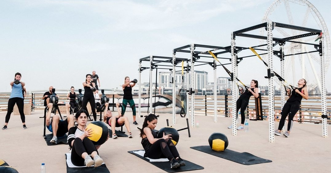hiit-workouts-gyms-in-dubai-marina-warehouse-gym-dubai Cropped (1)