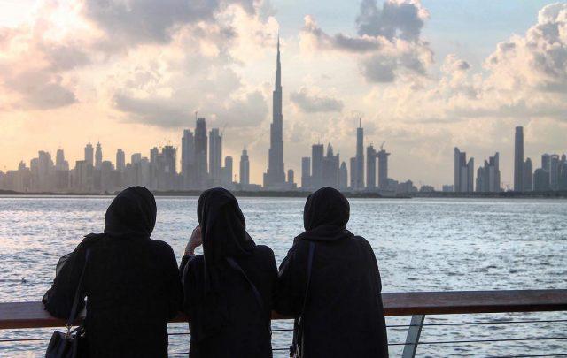 best view of iconic dubai landmarks - dubai skyline