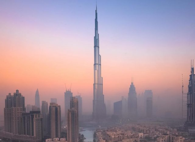 best view of iconic dubia landmarks - burj khalifa