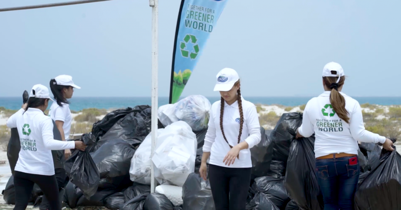 oasis-water-uae-beach-cleanup