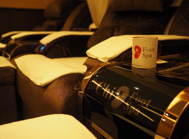 foot reflexology in Dubai - Chi Foot Spa - foot massage in Dubai