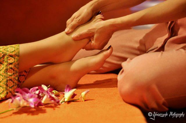 foot reflexology in Dubai - Feet Lounge Dubai - foot massage in Dubai