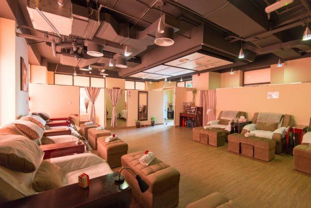 foot reflexology in Dubai - Mary Foot Spa - foot massage in Dubai