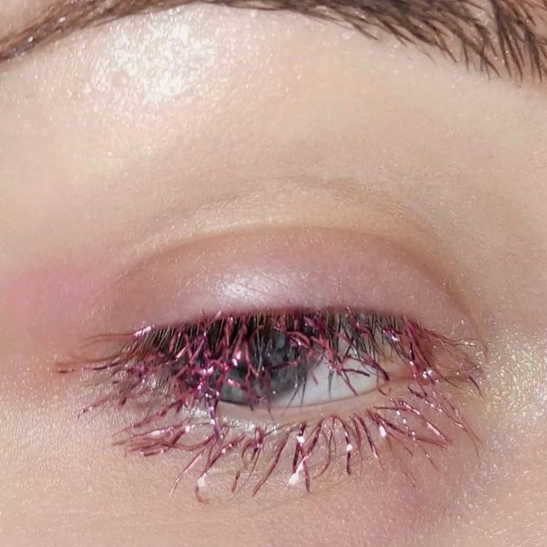 Tinsel eyelashes - weird beauty trends 2017