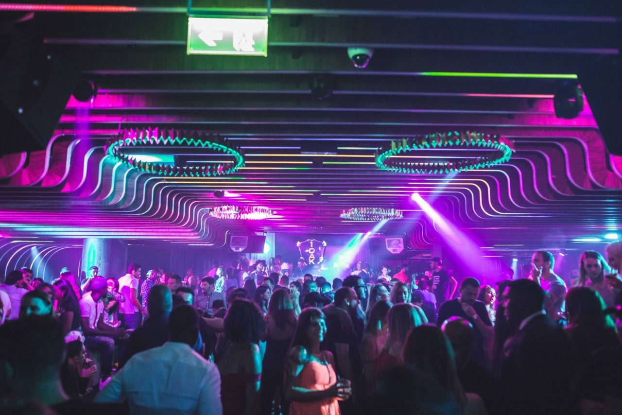 clubs-in-dubai-nightlife-parties-in-dubai- Cropped (1)