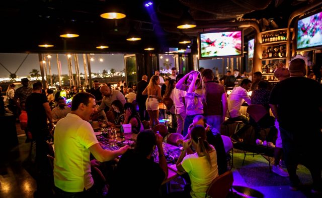 happy-hour-dubai-sports-bar-dubai-122-09csswsw4edddd-4e33dede