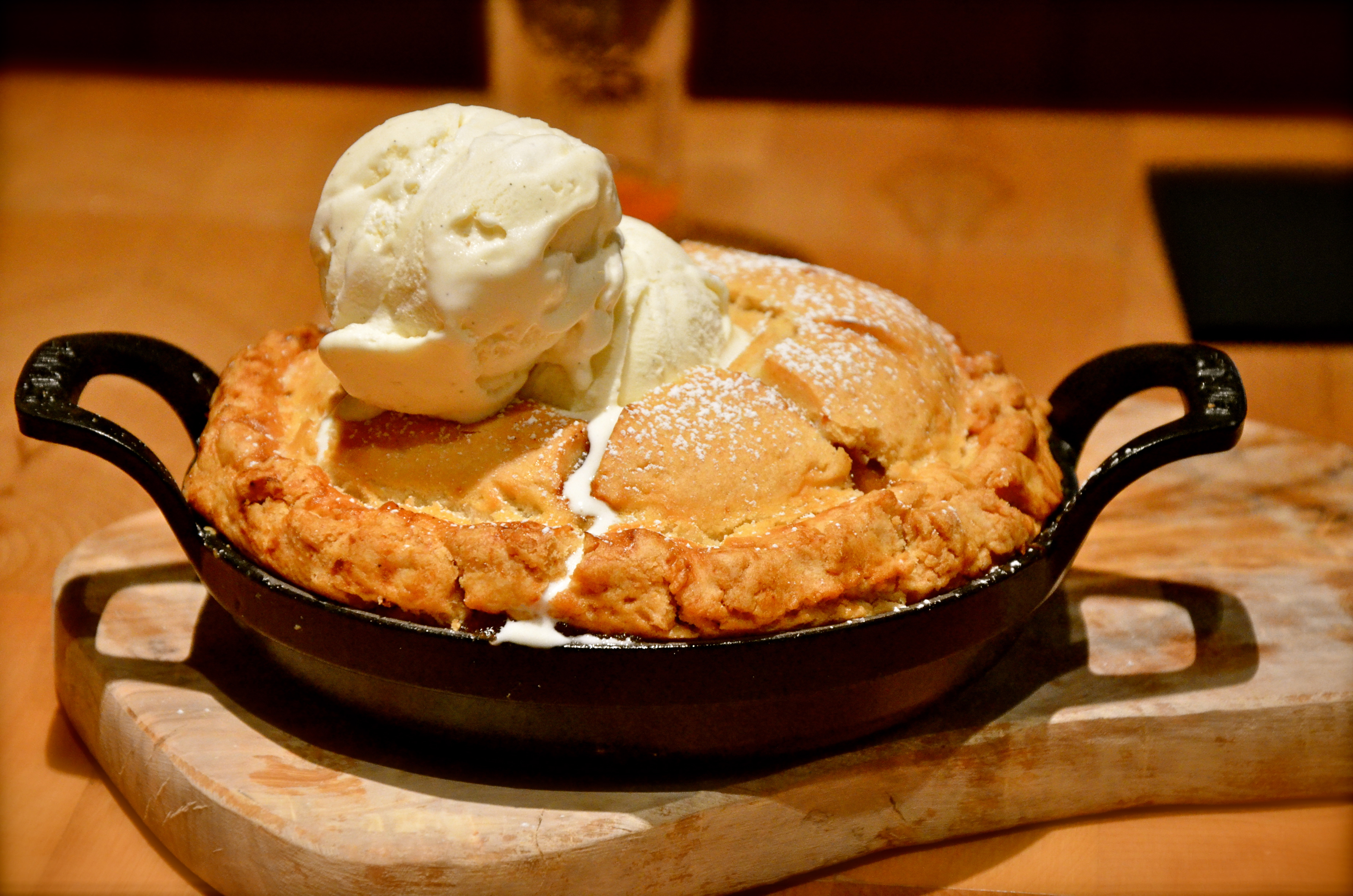 The Hide apple pie in Dubai