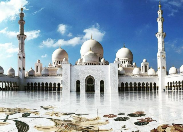 uae attractions - sheikh zayed grand mosque abu dhabi Cropped