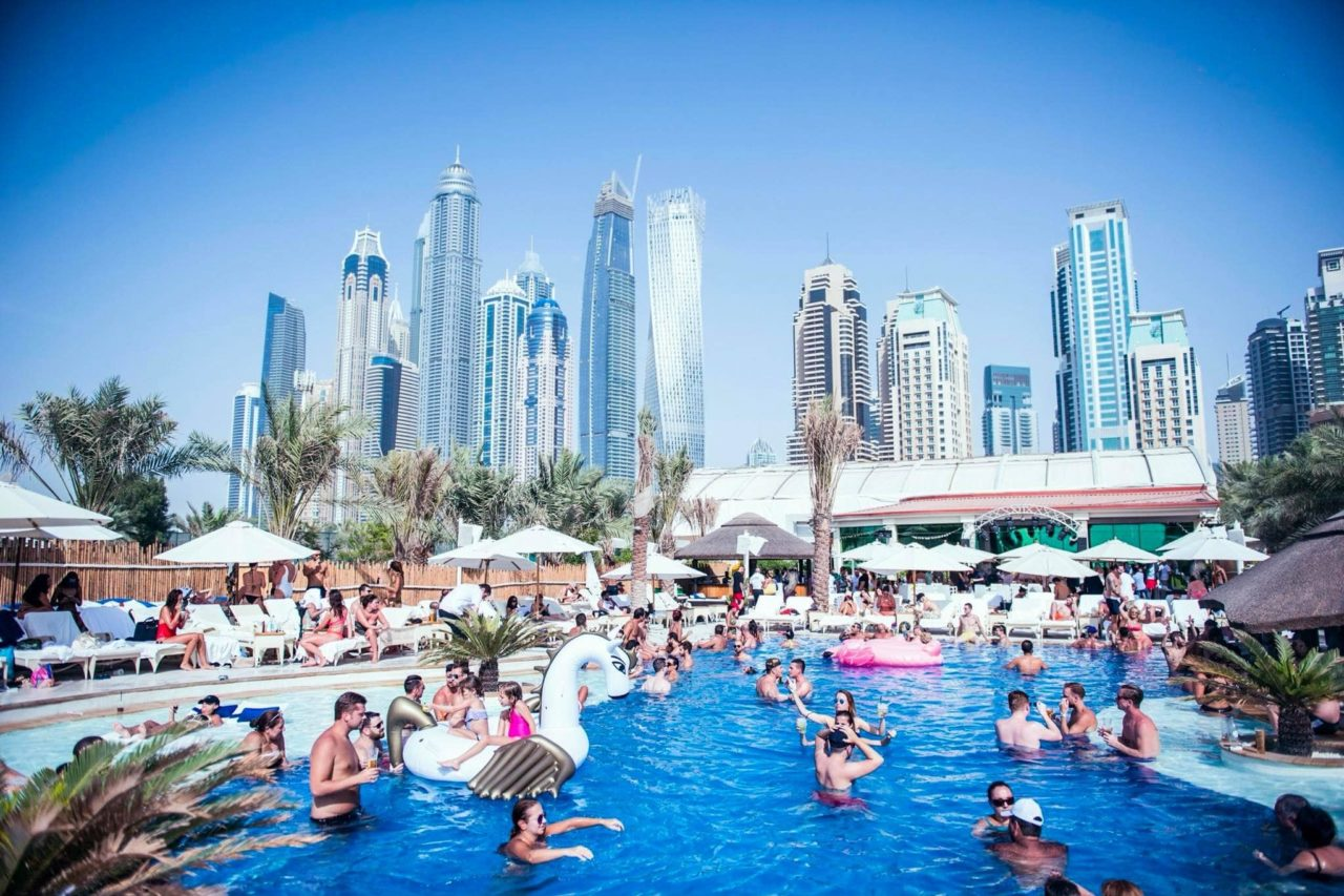 ladies-day-dubai-beach-clubs-ed-Cropped-min-11