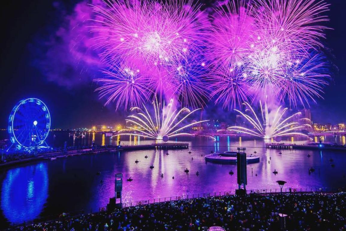 fireworks-in-dubai-eid-al-adha-2018-dubai-festival-city-mall-4-Cropped