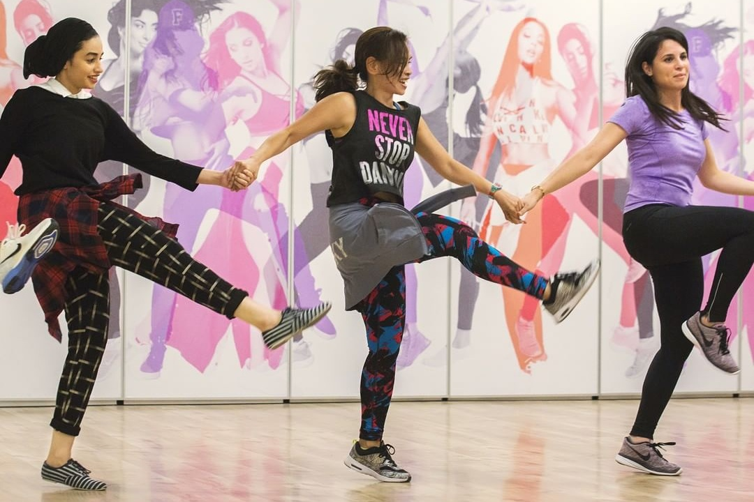 zumba-dance-exrcises-in-dubai-fitness-fit-and-beat-dubai