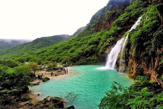 ayn-khor-waterfall-salalah-oman-things-to-do-in-oman